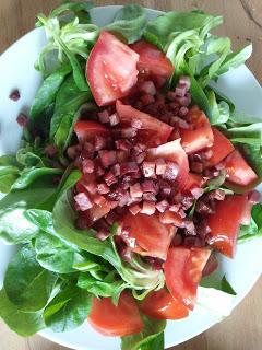 [Rezept] Feldsalat mit Schinken und Honigdressing