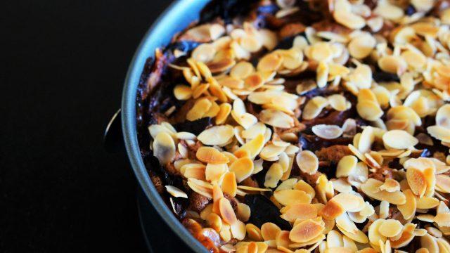 Schokoladen-Pflaumen-Kuchen einfaches Rezept